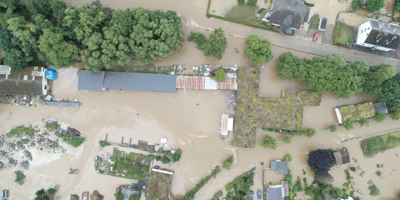 Luftbild vom Betriebshof der Stadt Mayen während des Hochwassers